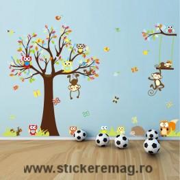 Sticker decorare camere bebelusi maimute si bufnite in copaci