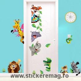 Sticker decorativ pentru usa sau perete cu animale